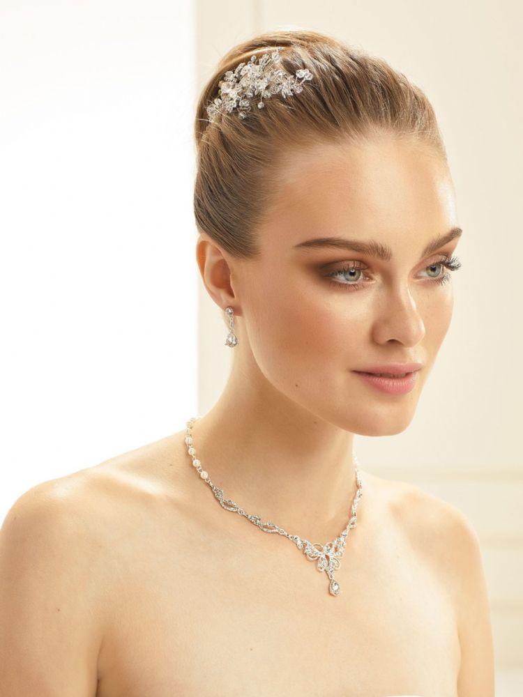 Pretty Crystal and Pearl Bridal Necklace Set